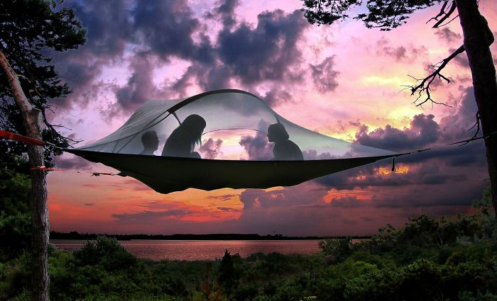 15+ Of The Best Traveler Gift Ideas Besides Actual Plane Tickets - Floating Tree Tent