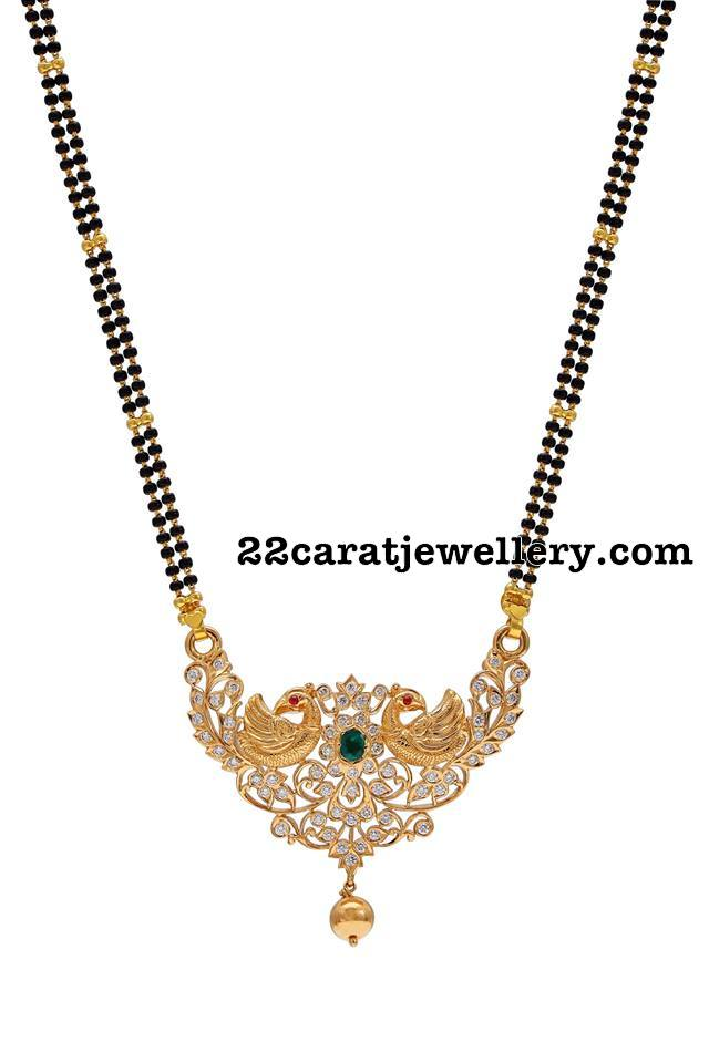 Black Beads Set Peacock Locket