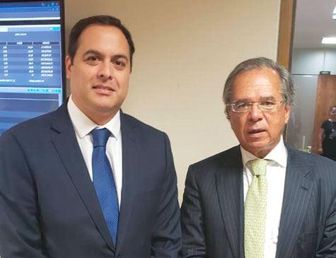 Guedes elogia Câmara, lembra Eduardo Campos e libera crédito