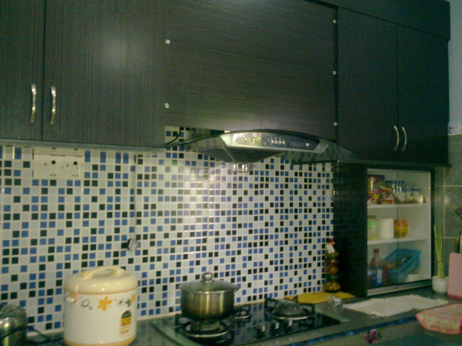 Ni Lah Dapur Kesayangan Aku Tempat Masak Dan Cuba Resepi2 Baru Ada Satu Lagi Benda Di Namanya Marble Putih Sana