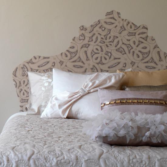 Un dormitorio de aire vintage en cinco sencillos pasos - Cabeceros con papel pintado ...