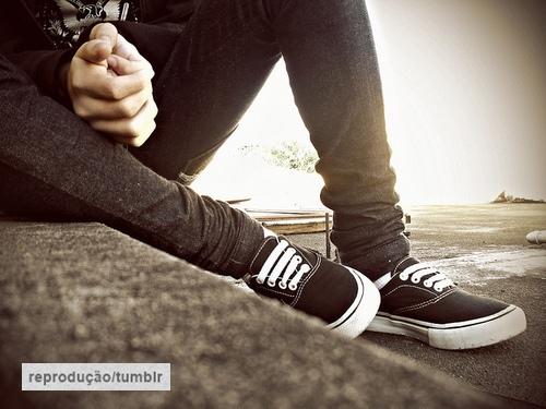 quase perfeito, menino pernas pensando tumblr
