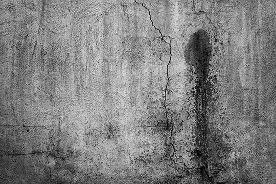 crack, urban photography, black and white, photo, abstract, Sam Freek