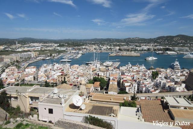 Vistas de Ibiza desde los miradores de dalt Vila