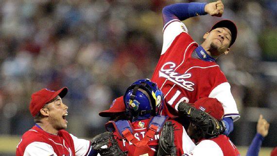 El 18 de marzo del 2006 los serpentineros Yadel Martí y Pedro Luis Lazo se combinaron para detener la ofensiva de Dominicana y mandar a Cuba a la 1ra Final del Clásico Mundial
