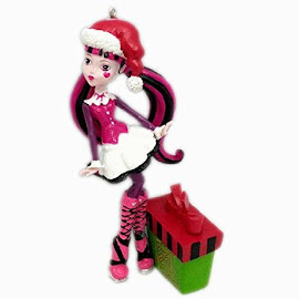MH Gift Creation Asia Limited Draculaura Figure