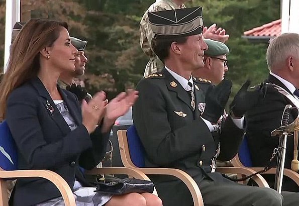 Prince Joachim and Princess Marie visited Hærens Sergent School in Varde. Prince Nikolai in the Royal Danish Army. Hugo Boss dress