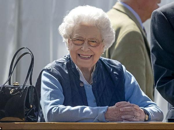 Królowa na Royal Windsor Horse Show + więcej.