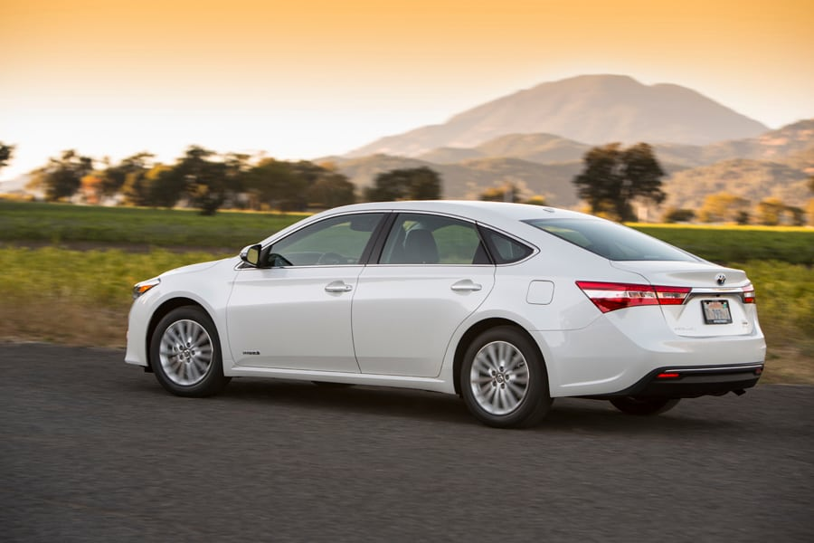 2013 toyota avalon hybrid review cars toyota review. Black Bedroom Furniture Sets. Home Design Ideas