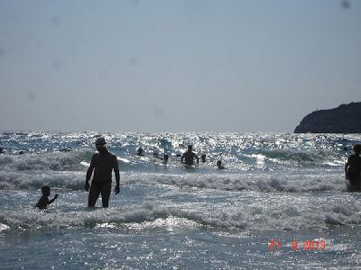 valuri la Paradise Beach