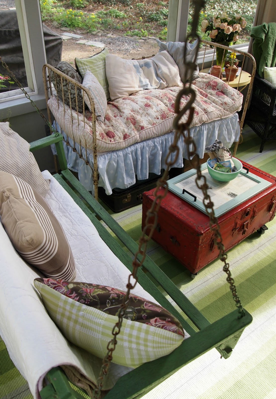 Flea Market Home Decor: Savvy Southern Style : My Favorite Room.....The Painted Home