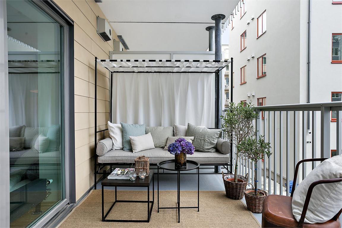 6 peque os espacios acogedores de la casa c modos y for Repisas en espacios pequenos