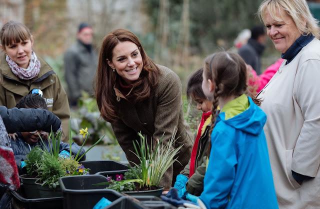 Księżna Kate z wizytą w King Henry's Walk Community Garden w Islington