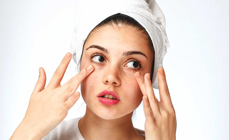 10 Everyday Habits That Are Drying Out Your Skin