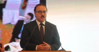 وزير الاتصالات يعلن عن اصدار اول موبايل مصري منتصف 2017