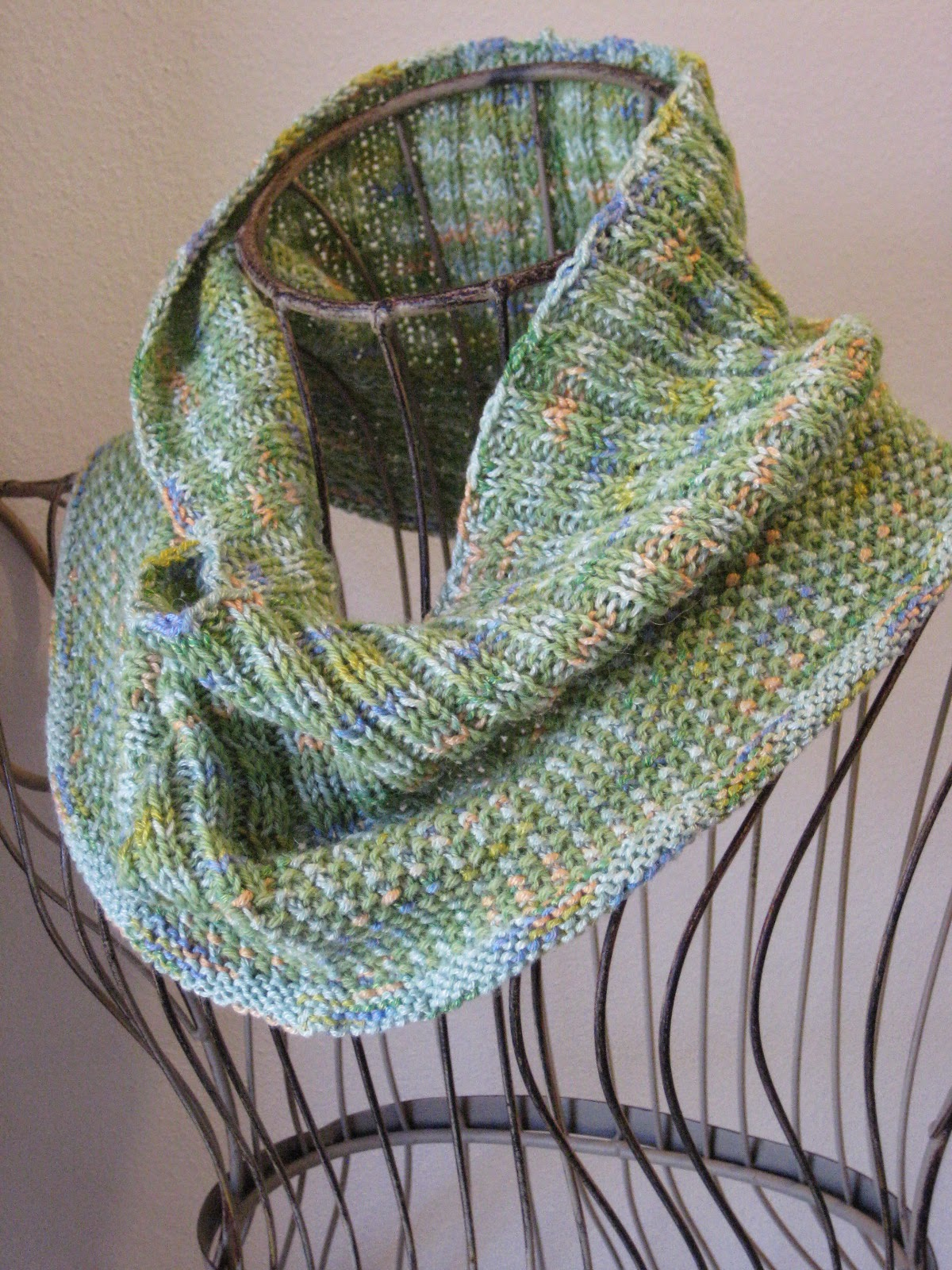 Balls To The Walls Knits Water Lilies Cowl