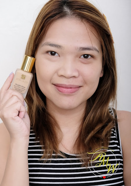 a photo of Askmewhats wearing Estee Lauder Double Wear Stay-in-place makeup review in Warm Creme