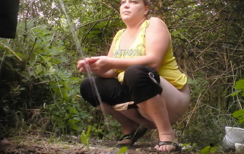PissHunters 9252-9267 (Girls pee outdoors hidden camera. Hidden cam in public toilet)