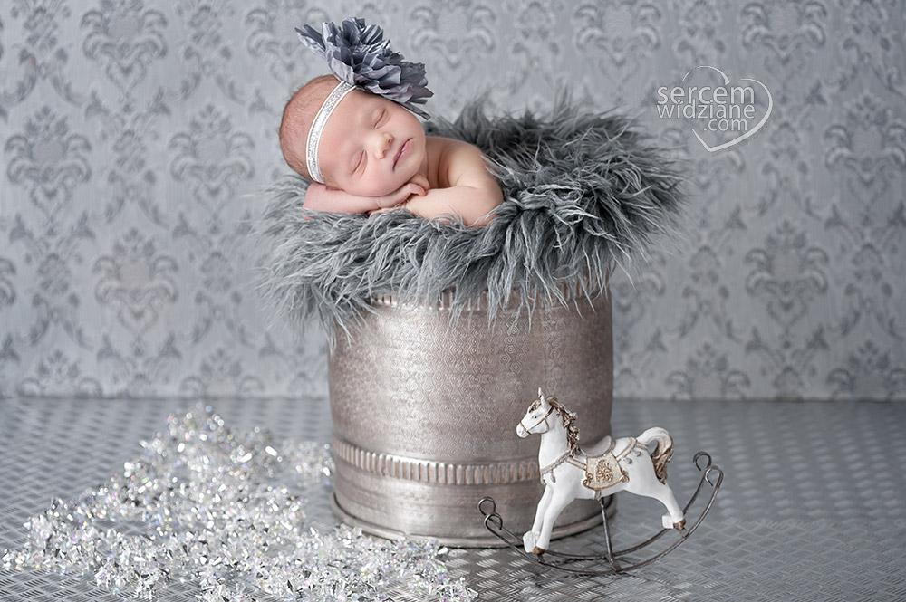 zdjęcia noworodkowe, zdjęcia noworodków, sesje noworodkowe na terenie Warszawy,