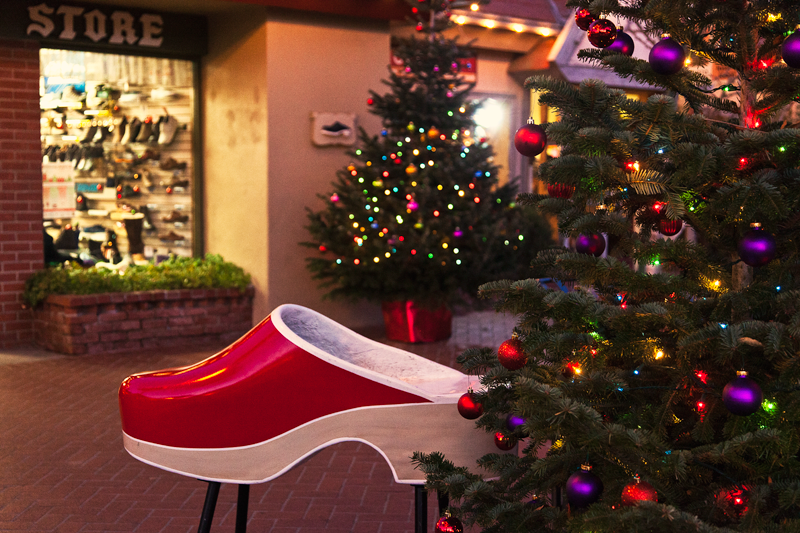 Solvang Ca Christmas.Sending Postcards Happy Holidays From Solvang
