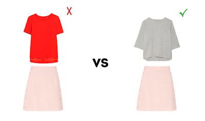 Пастельная юбка с красным и серым топами
