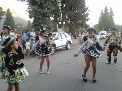 Resultado de imagen para colectividad boliviana en noticiasdelbolson