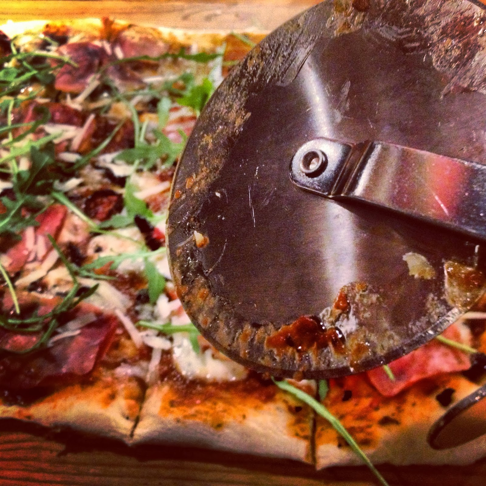 sprø pizzabunn langpanne