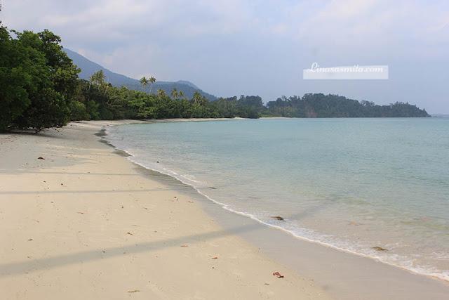 Pantai Pasir Panjang Lingga