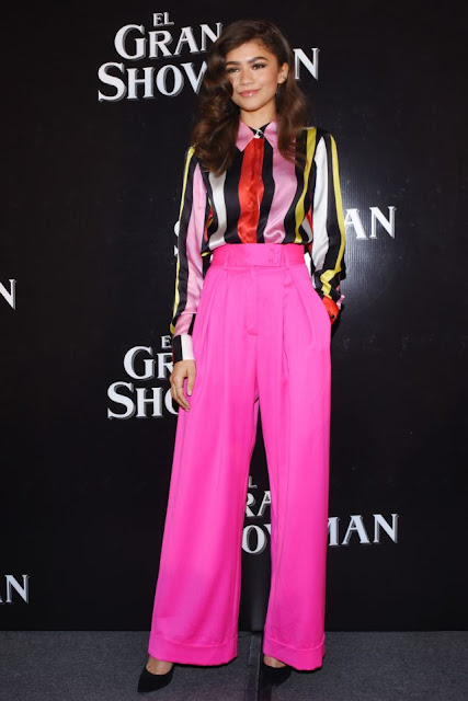 zendaya, the greatest showman, premiere, pink style