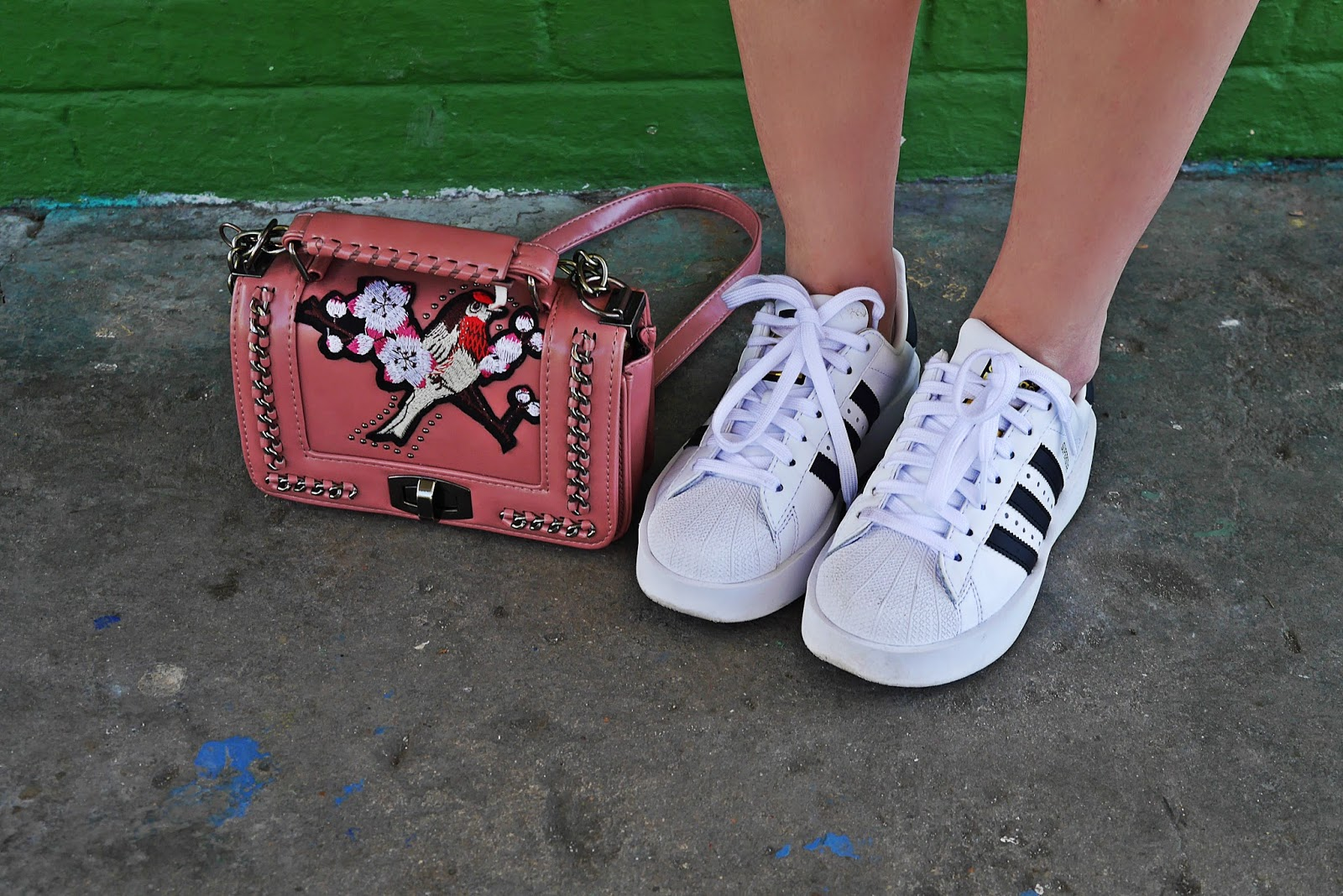 3_biala_kurtka_adidas_superstar_white_total_look_karyn_blog_modowy_160418