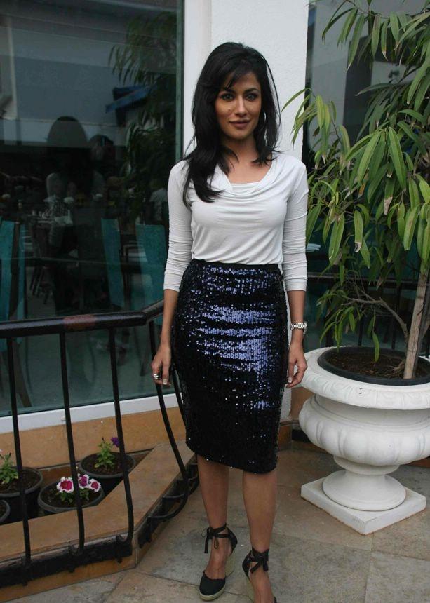 Deepika Padukone Photos at Desi Boyz Movie Promotion