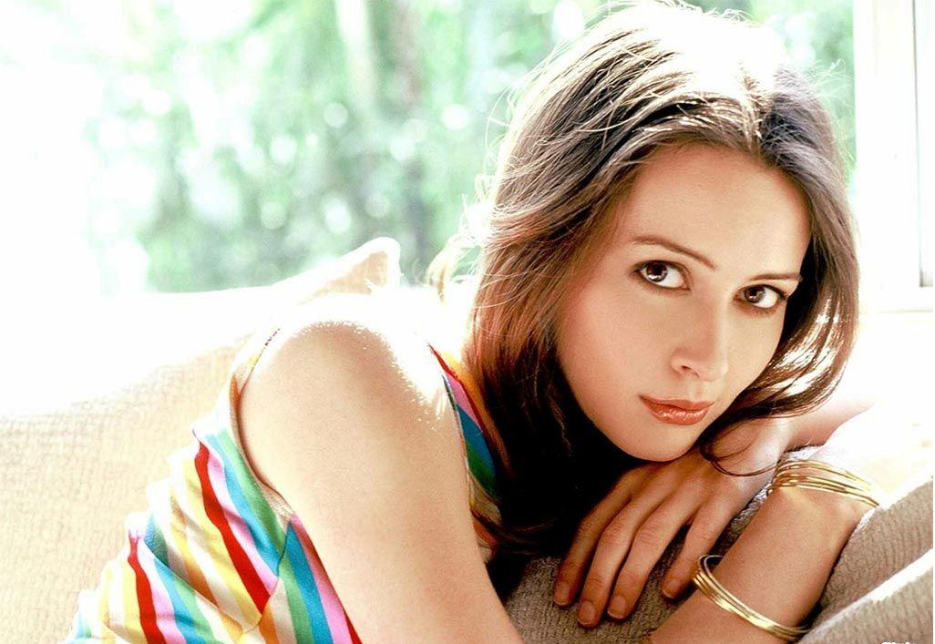 Star HD Wallpapers Free Download: Amy Acker Hd Wallpapers