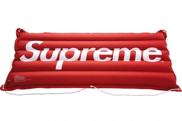 supreme ss13 gadgets 5 630x420 - Supreme - Acessórios (Primavera/Verão 2013)