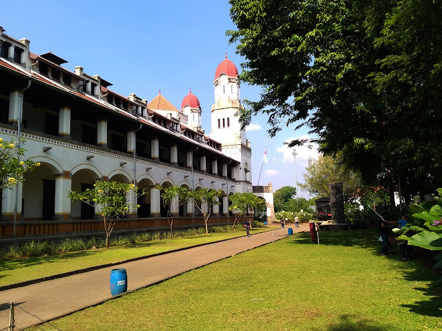 Menerobos Lawang Sewu dan  Klenteng Sam Poo Kong di Kota Semarang