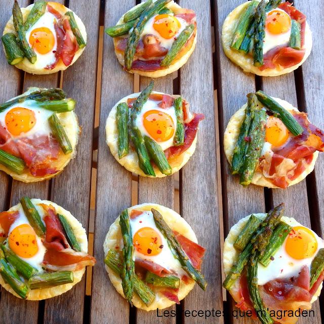 http://lesreceptesquemagraden.blogspot.com.es/2016/04/mini-cocas-de-jamon-esparragos-y-huevos.html