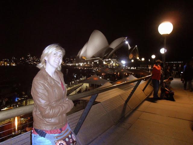Tatiana frente a la Ópera de Sydney