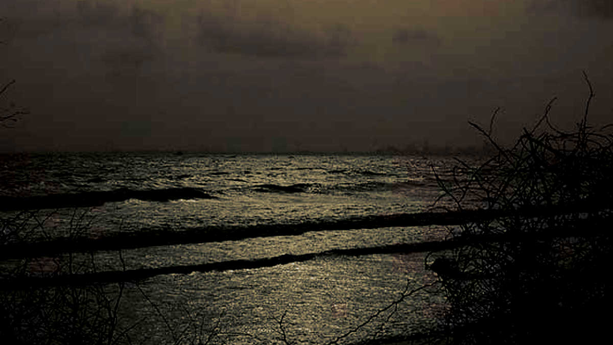 The spooky uparkot fort junagadh gujarat - The Famous Dumas Beach Of Gujarat Has Many Stories To Tell About Spirits The Hindus Burn Their Dead Bodies On The Beach And This Area Has Been Reported
