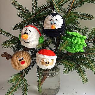 2000 Free Amigurumi Patterns Christmas Baubles Ornaments