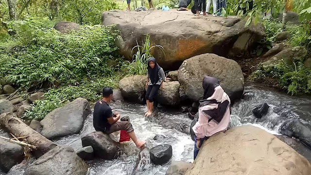 Sungai di Objek Wisata Banyu Mili