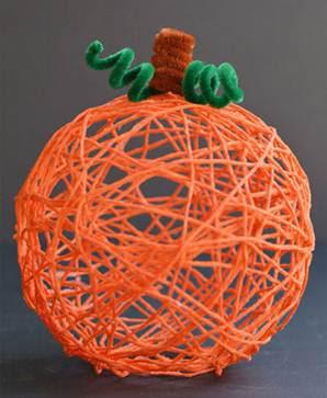 http://onelittleproject.com/yarn-pumpkins/