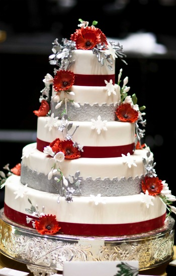 red silver wedding cakes wedding cakes pictures and silver wedding cakes 19153