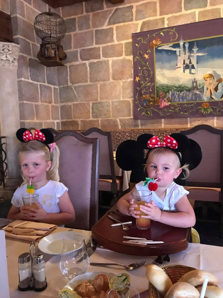 Disneyland paris lunch with Princesses Auberge de Cendrillon