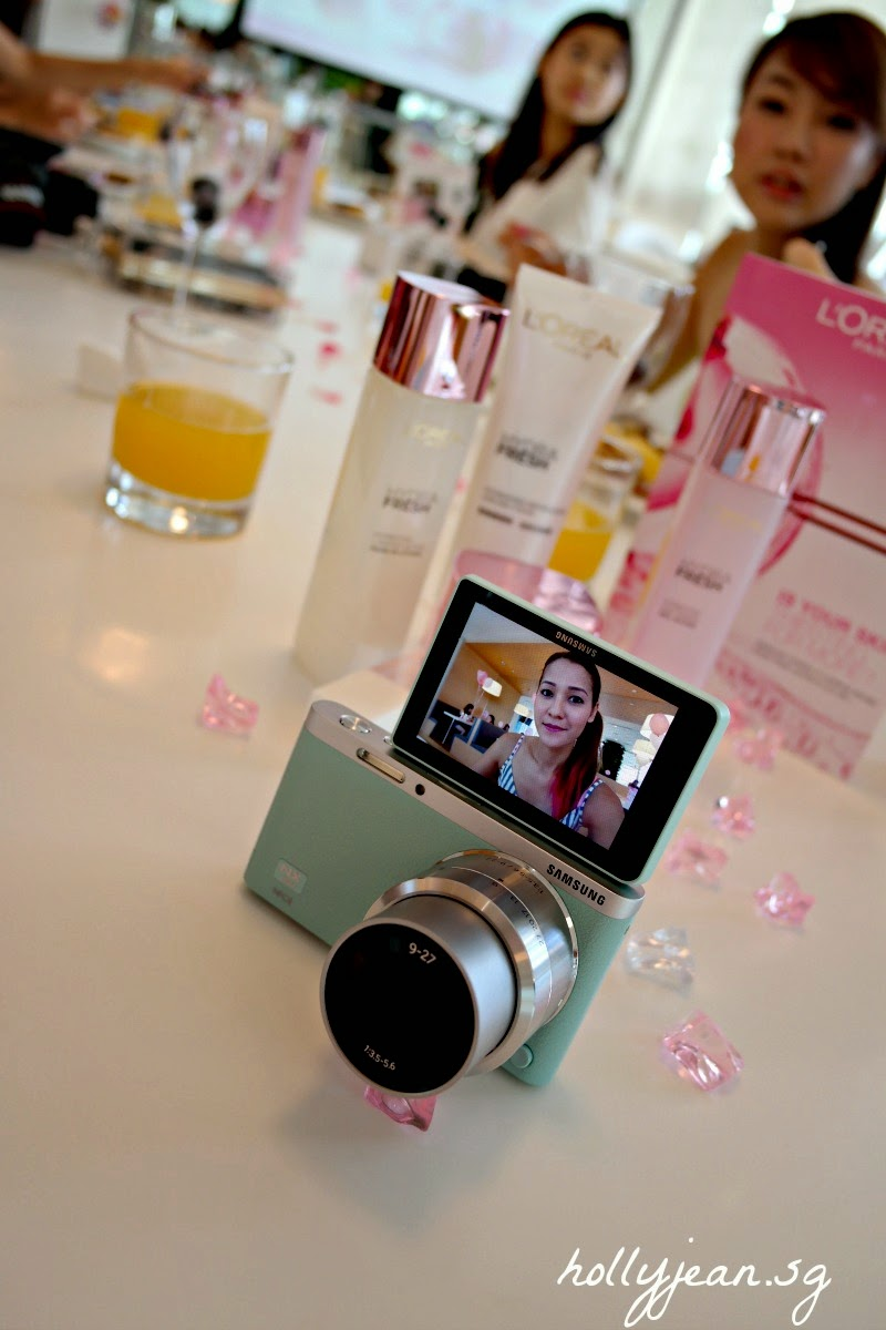 A Thing Or Two About Holly Jean Voucher Sqweel 2 Samsung Also Introduced To Us Bloggers Their Latest Camera The Nxmini So Slim And Lightweight Takes Great Selfies Thanks Front Facing Screen