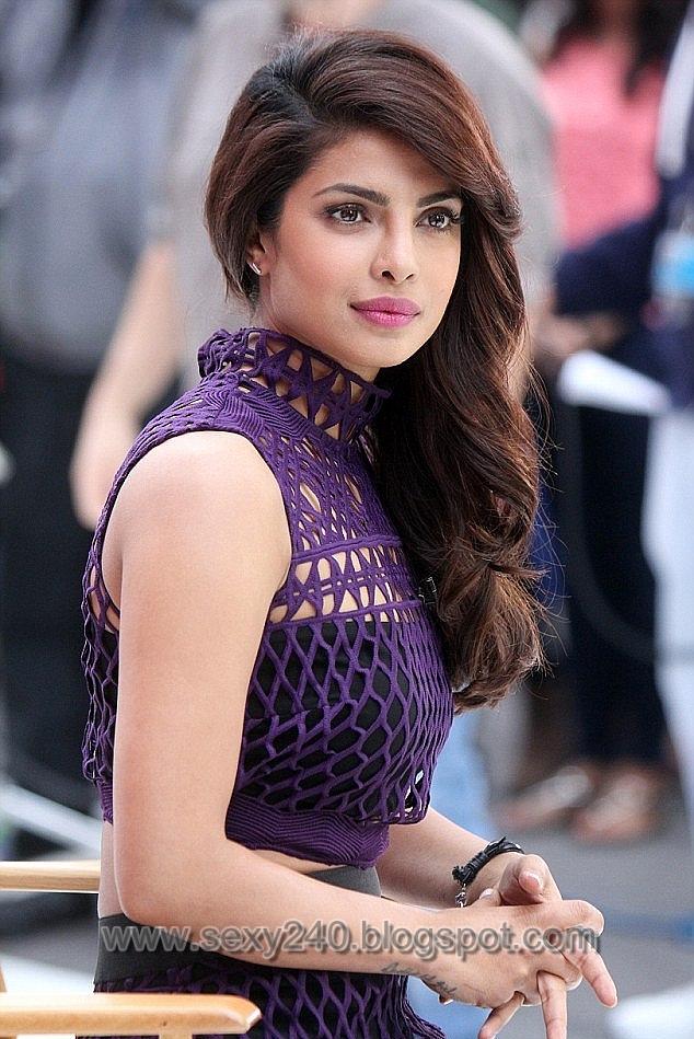 Sexy240 Priyanka Chopra Displays Her Hot And Sexy Figure-4738
