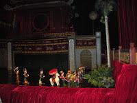 Marionetas de agua en el teatro de Hanoi (Vietnam)
