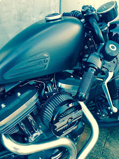 cafe tracker 1200 roadster by hd frosinone engine and tank