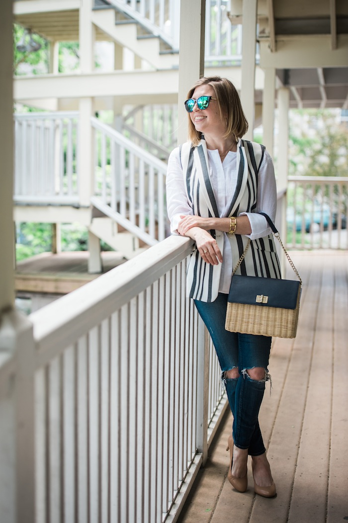 stripe sleeveless blazer