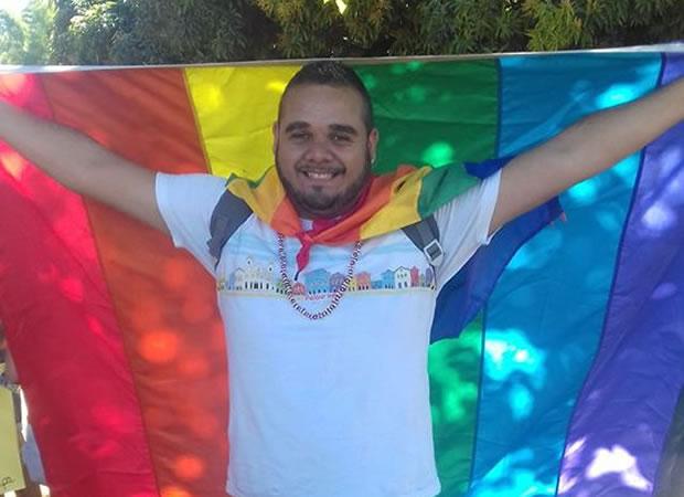 Parada do Orgulho LGBT pede fim da homofobia em Goiânia