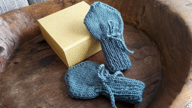 kostenlose Anleitung Babyhandschuhe stricken