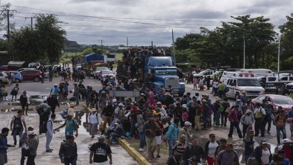 """Trump advierte que no dejará entrar a """"malas personas"""" de caravana migrante"""